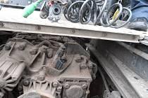 Řidič nákladního auta si upravoval magnetem tachograf. Šoférovi hrozí pokuta 10 tisíc korun, dopravci až půl milionu.