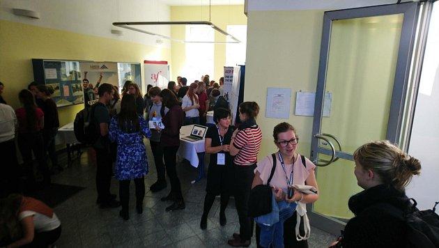 Několik institucí uspořádalo vpolovině října na Jihočeské univerzitě vČeských Budějovicích propagační akci ve prospěch výuky a využití francouzštiny.