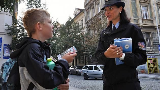 Školák a policie. Ikustrační foto.