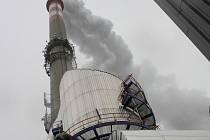 Nové odsiřovací zařízení pracuje v českobudějovické teplárně od 15. listopadu. Z komína se pak už valí převážně vodní pára.