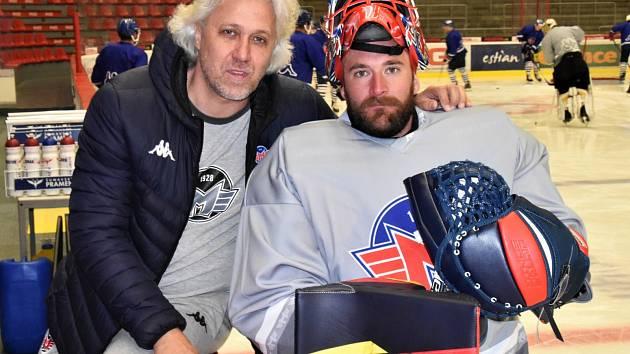 Marek Čiliak (vpravo) s trenérem gólmanů ČEZ Motoru Stanislavem Hrubcem.