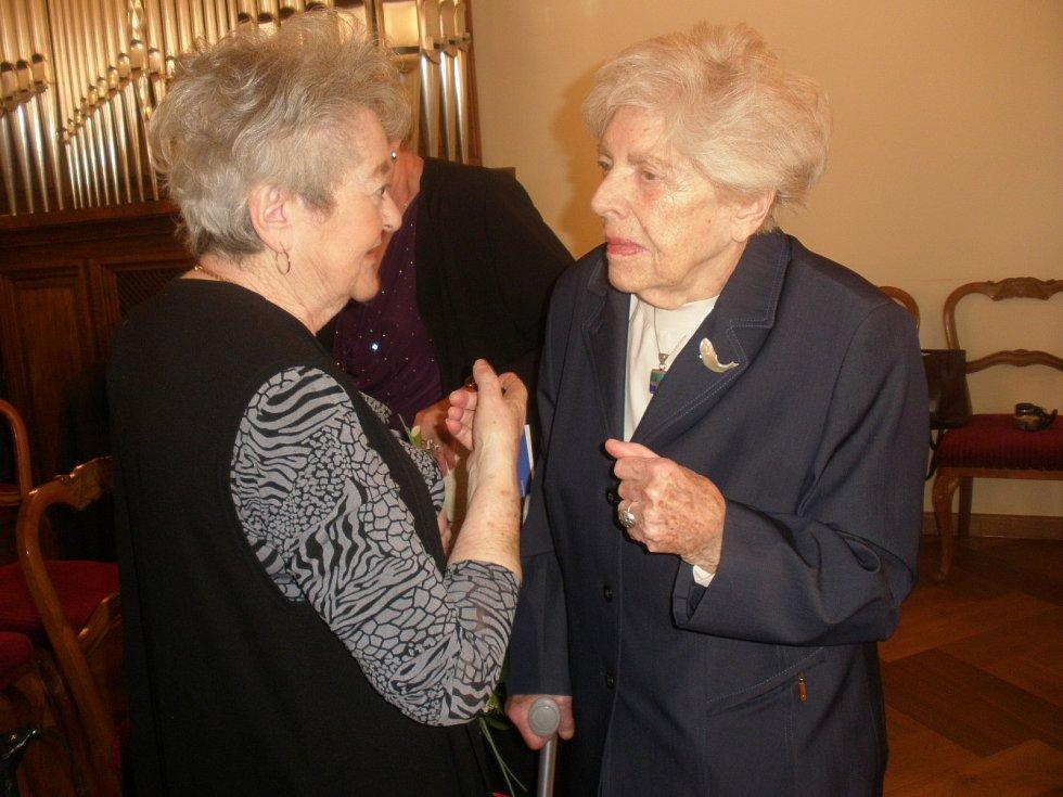 Hana Tvrská a Louise Hermanová.