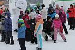 Do ŠKODA Parku v lipenském skiareálu se v neděli vydaly stovky lidí.