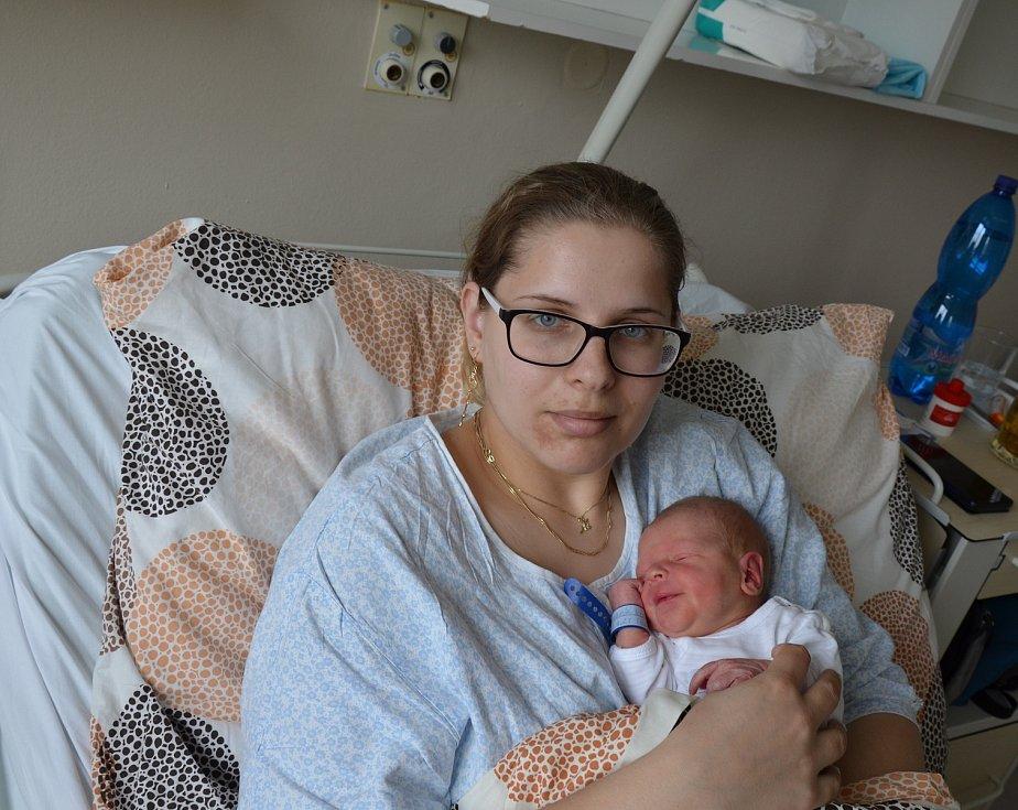 V Týně nad Vltavou bude poznávat svět novorozený Václav Kostelník. Rodičům Michaele a Davidu Kostelníkovým se narodil 16. 4. 2021 v 15 h., vážil 2,85 kg.