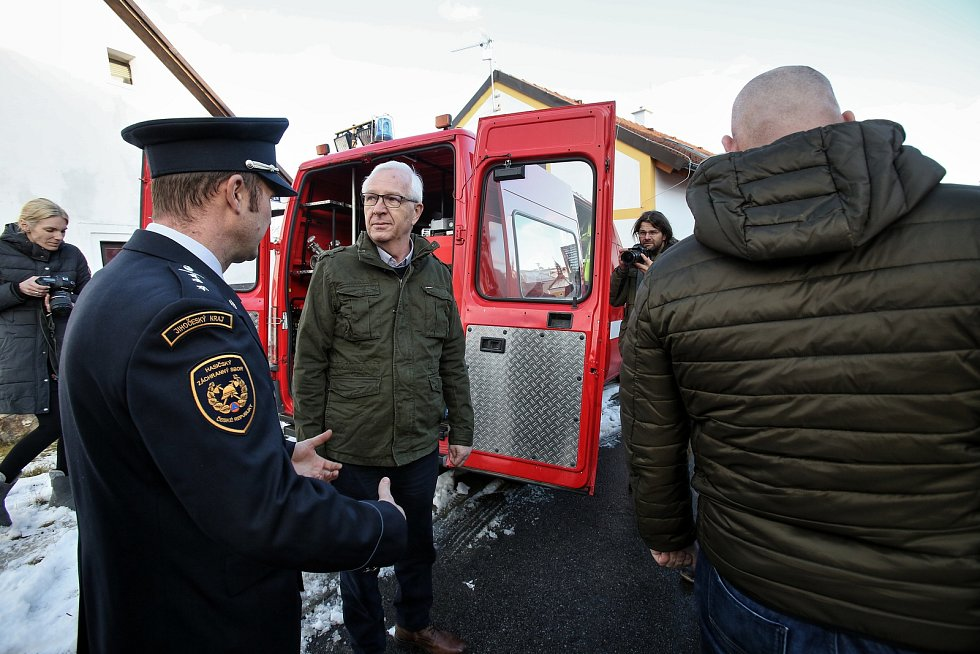Prezidentský kandidát Jiří Drahoš strávil den na jihočeském venkově.