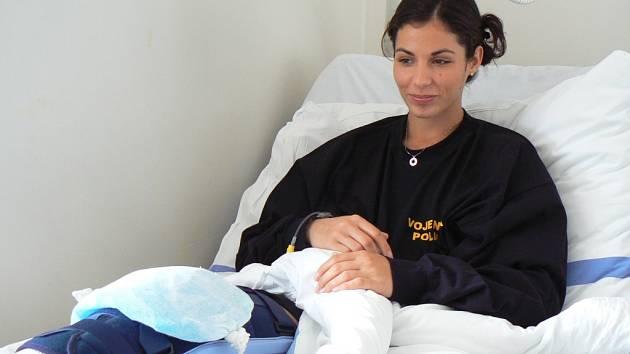 Tyčkařka Kateřina Baďurová se zranila na soustředění, operační zákrok podstoupila v českobudějovické nemocnici.