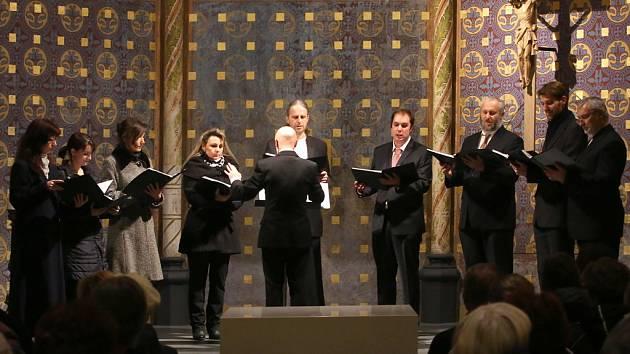 Uspořádání nedávného koncertu souboru Dyškanti byl jedním ze způsobů, jak sehnat peníze na další fázi obnovy kostela sv. Rodiny v Budějovicích.