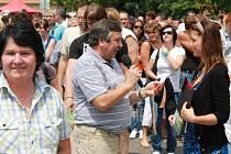 Po slavnostním otevření domácí Slavoj Temelín vyzval v exhibici Los Cohiňos, tým známých osobností. Na novém trávníku prohrál 5:6.