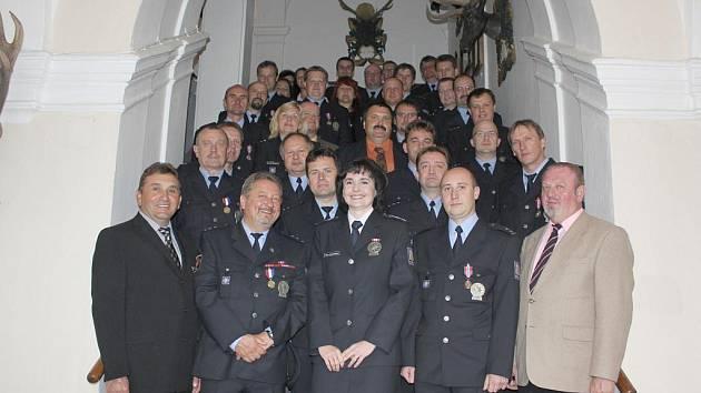 Ocenění medailisté z cizinecké policie.
