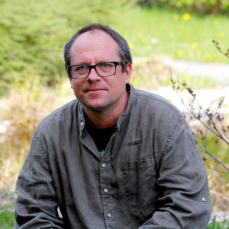 Mgr. Lukáš Čížek, Ph.D. je vedoucím Oddělení biodiversity a ochrany přírody Entomologického ústavu Biologického centra AV ČR.