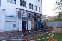 Hasiči zasahovali u požáru na Lannově třídě.