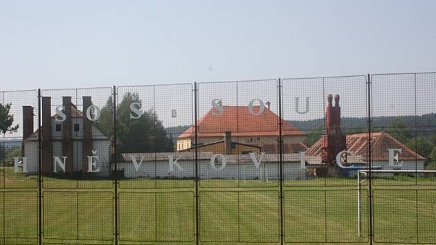 Střední odborná škola a Střední odborné učiliště v Hněvkovicích.