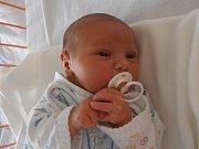 Petr Arsentiev vykoukl na svět s porodní váhou 3,83 kilogramu v neděli 8. 5. 2016 ve 2 hodiny a 23 minut. Vyrůstat bude po boku 10letého brášky Jarouška v obci Novosedly nedaleko Dívčic.