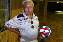 OSOBNOST. Josef Mejsnar se dožil úctyhodného věku. I v devadesáti pěti letech se stále aktivně věnoval volejbalu.