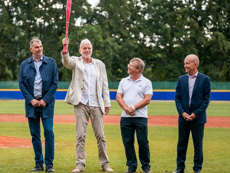 Baseballová exhibice v Hluboké nad Vltavou