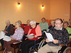 Zkoušku už mají za sebou chvalkovští obyvatelé domova pro seniory.