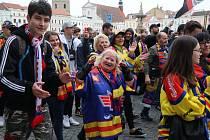 Fanoušci Motoru České Budějovice prošli v průvodu městem.
