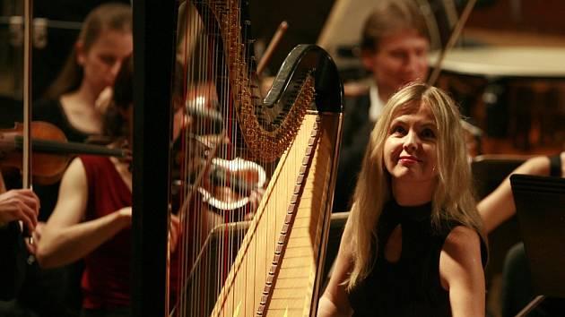 Harfenistka Kateřina Englichová.