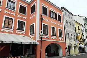 V objektu v Krajinské 23 v Budějovicích bude začátkem léta provozovna s rychlým občerstvením.