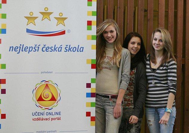 ZŠ Dukelská ve Strakonicích zvítězila za region Jižní Čechy v soutěži o Nejlepší čekou školu. Snímky ze slavnostního vyhlášení a předání diplomu.
