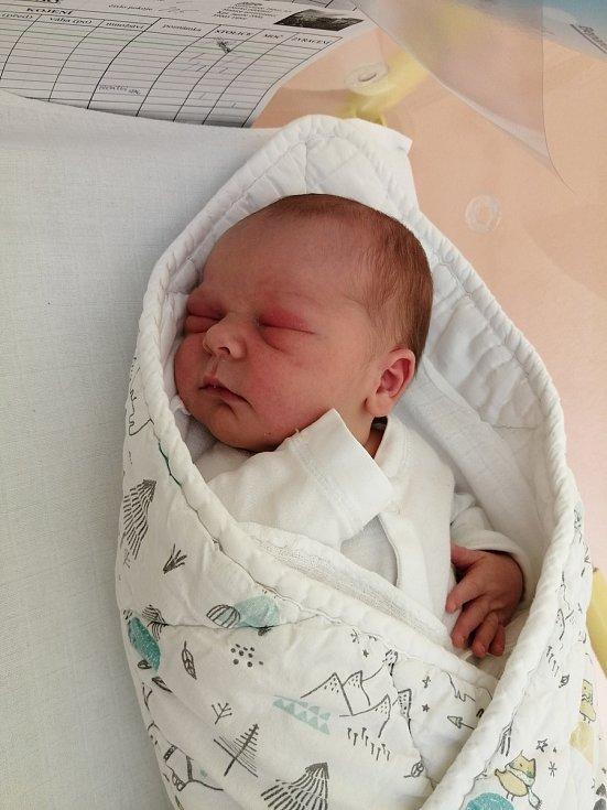 Žaneta Marešová a Jiří Dvořák přivítali 2. 6. 2021 v táborské nemocnici prvorozeného syna Jakuba Dvořáka. Váha po porodu ukazovala 3,98 kg.