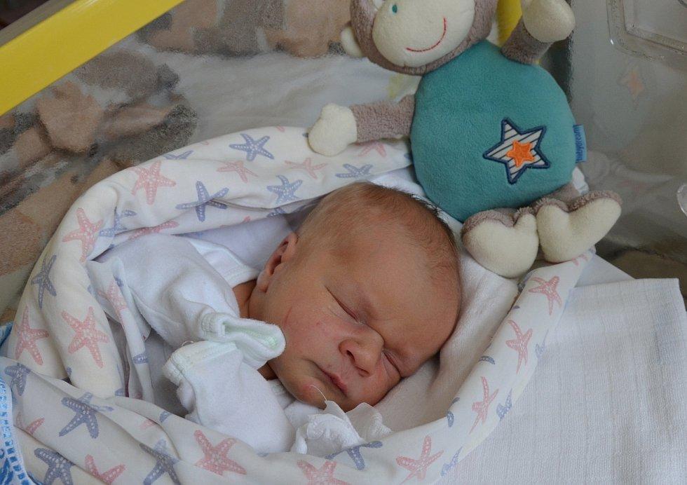 Albert Choulík z Písku. Prvorozený syn Martiny a Milana Choulíkových se narodil 17. 7. 2021 ve 2.36 hodin. Při narození vážil 3200 g a měřil 48 cm.