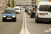 Pražská třída v Českých Budějovicích patří k nejrušnějším ulicím ve městě.