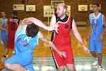 Basketbalisté Českých Budějovic v duelu týmů ze dna ligové tabulky dvakrát povinně porazili poslední Tábor .