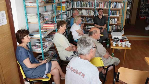 V knihovně se setkáte se spisovatelkou Biancou Bellovou.