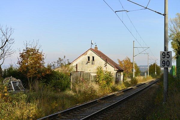 Bývalý strážník domek koněspřežky ve Včelné, snímek zroku 2013.