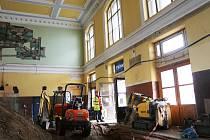 Rekonstrukce vlakového nádraží v Českých Budějovicích pokročila a vyjde Správu železnic na téměř 700 milionů korun,