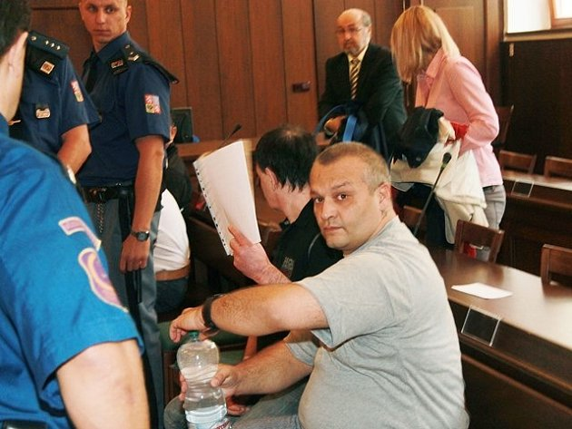 Gejza Ladič mladší je údajně členem desetičlenného gangu kuplířů a dealerů drog.