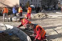 Ukrajinci bez potřebného povolení pracovali na stavbě.