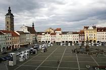 Výstava My jsme to nevzdali na českobudějovickém náměstí.
