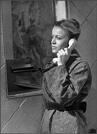 """Role Jany Švandové byla částečně """"inspirována"""" reálnou techničkou skupiny výškového zabezpečení Margitou Tupou."""