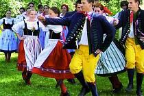 Folkorní soubor sklízí úspěchy v České republice i v cizině.