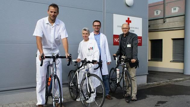 Doktoři holdují bicyklům.