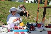Sedmý ročník Sklářských slavností přilákal v sobotu do Hojné Vody v Novohradských horách stovky lidí.