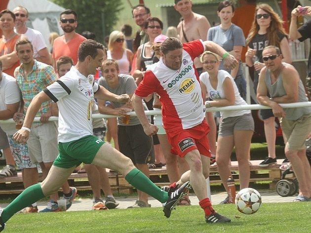 Fotbalová exhibice v Roudném lákala diváky.