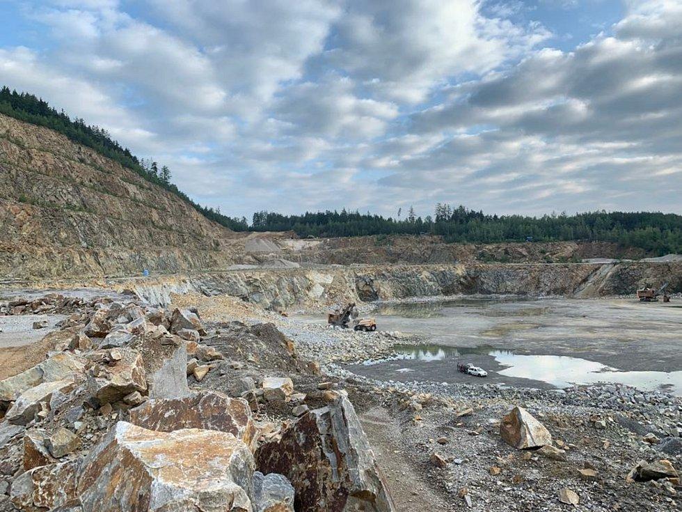 Pro dlouhodobé zásobování kvalitním drceným kamenivem jsou pro Jihočeský kraj klíčová ložiska Plešovice-Holubov.