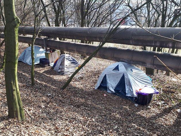 Další tábor žebráků zmizel.
