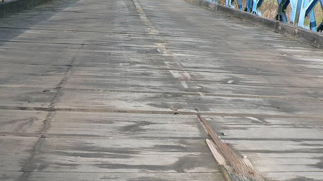 Opravy mostu u Římova. Ilustrační foto.