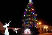 Vánoční strom ve Svatém Janu nad Malší.
