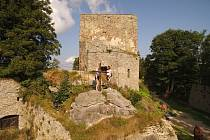 Zřícenina Vítkova Hrádku se nachází nedaleko Lipna.