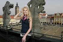 Česká Miss 2011 Jitka Nováčková na střeše českobudějovické radnice.
