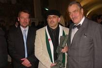 Karel Schwarzenberg podporuje lidská práva.