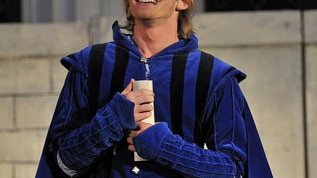 Lukáš Randák hraje hlavní roli v muzikálu Romeo a Julie.