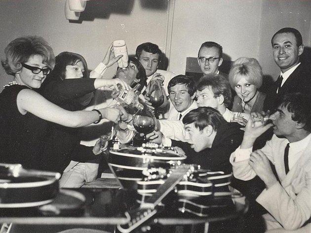 Táborská Střelnice zažije 31. srpna akci Střelácký čaj po 51 letech. Představí se tamní průkopníci bigbítu. Na archivním snímku skupina The Kings.