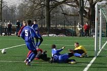 Fotbalový turnaj akademiků v Brně se bude hrát v areálu VUT na umělé trávě podobné té na Hluboké (na snímku).