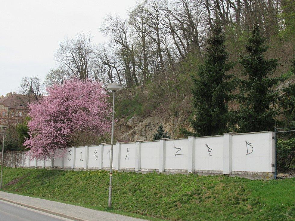 Neděle 18. dubna v Hluboké nad Vltavou.
